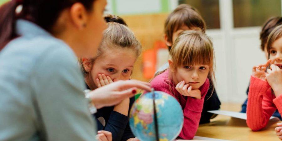 Obligación de los establecimientos educacionales a mantener sus dependencias abiertas